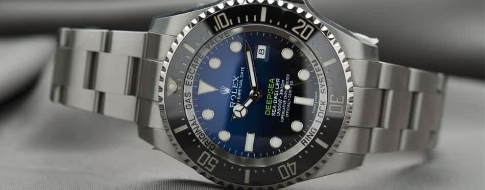 Things to consider when buying a diving watches?