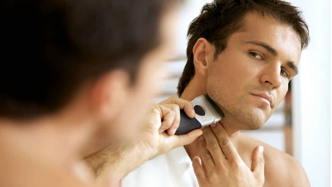 best electric razor for men with sensitive skin