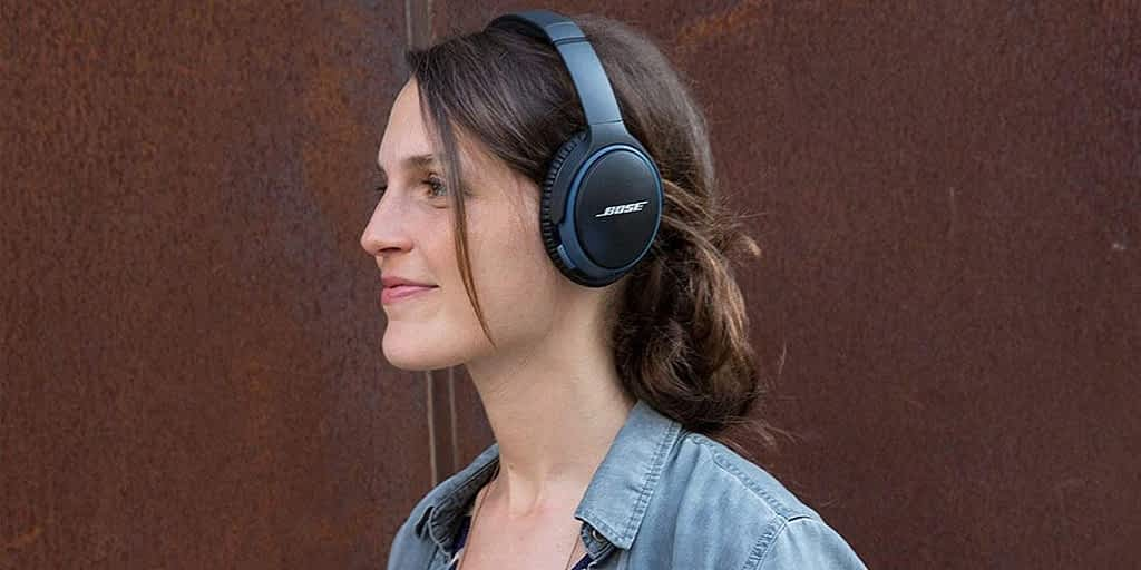 Why Headsets Vs Headphones -Which is better? 3